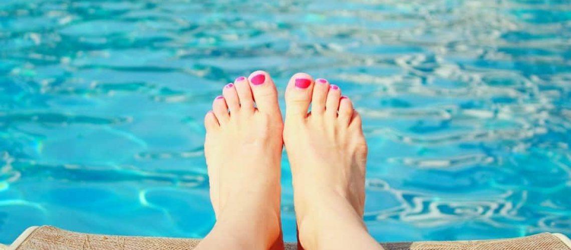 swimming-pool-1211573_960_720